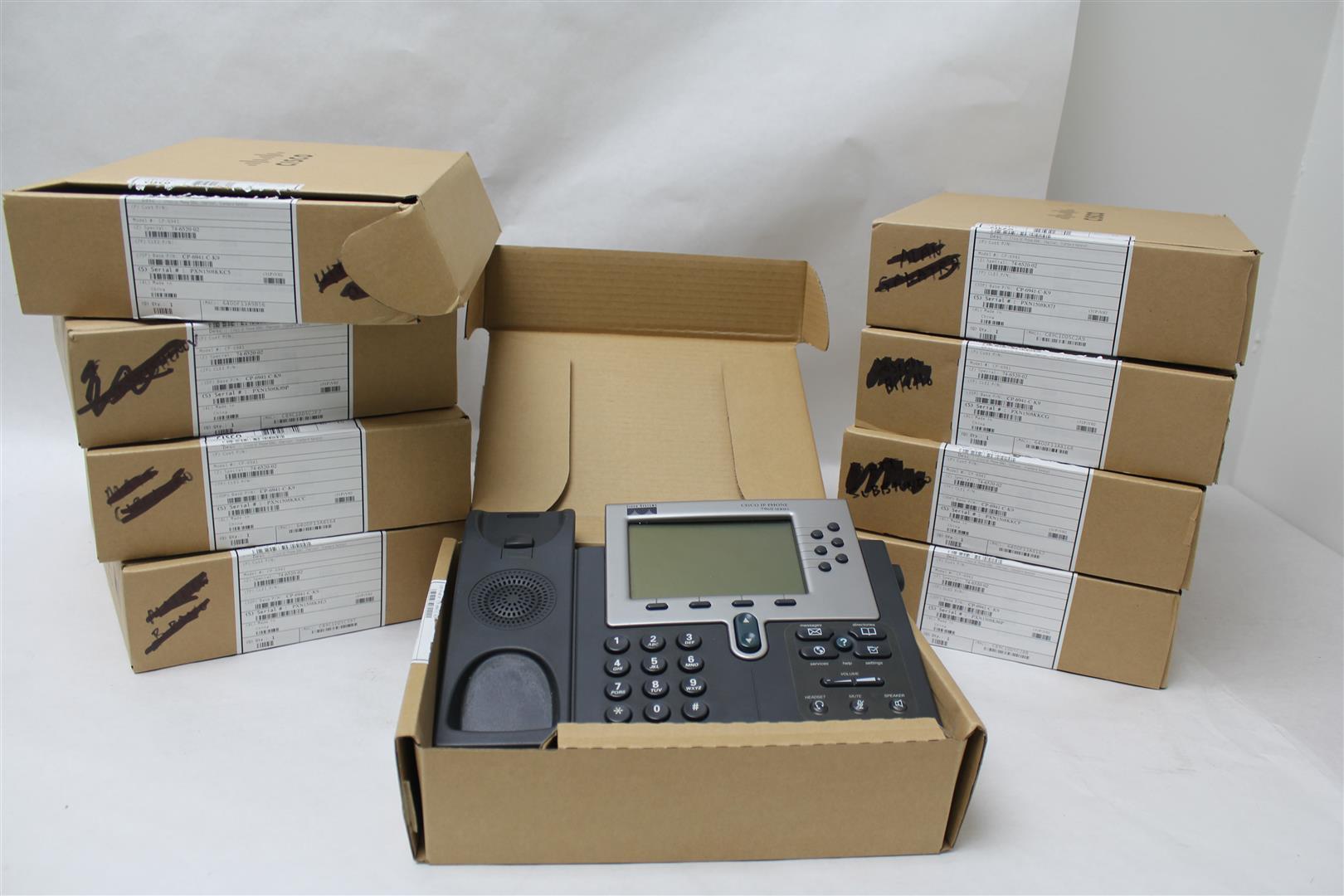 lot of 9 cisco 7960 series voip ip business phones 7960g missing handsets ebay. Black Bedroom Furniture Sets. Home Design Ideas