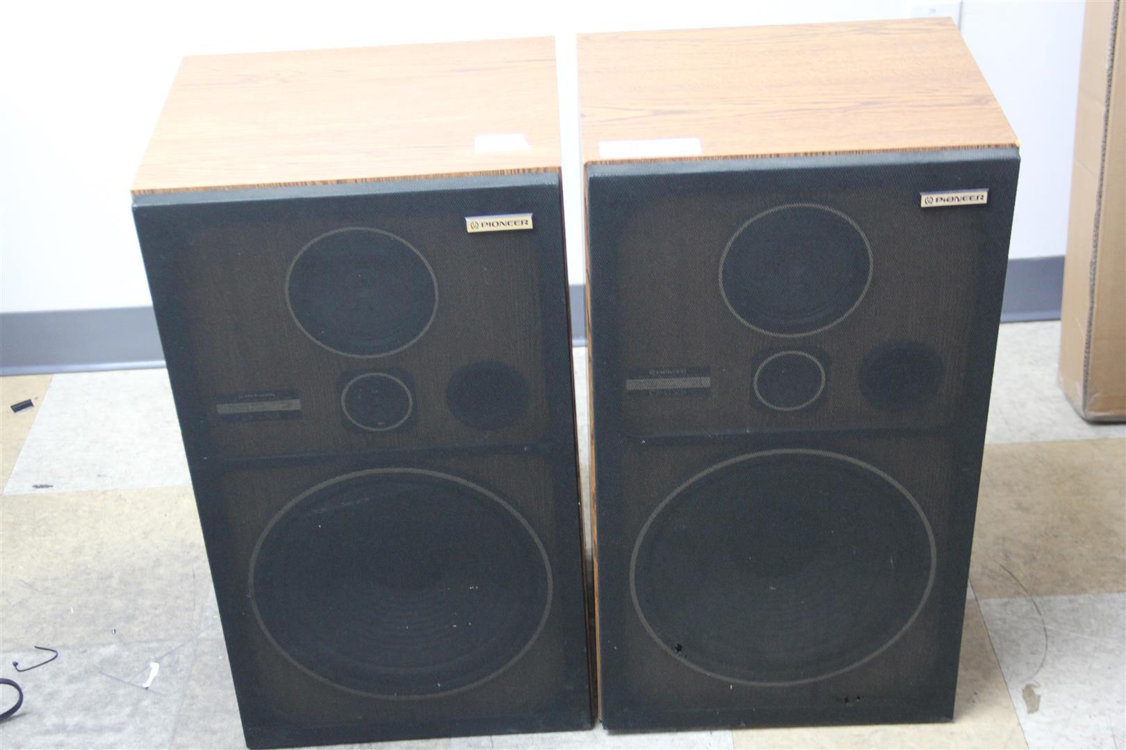 Pair of vintage pioneer cs g303 3 way 100w audio floor for 12 floor speaker