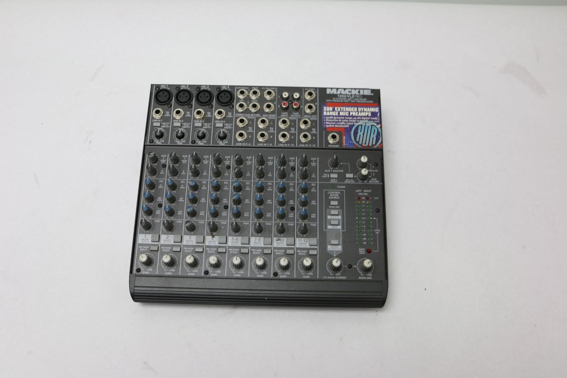 mackie 1202 vlz pro 12 channel mic line mixer w premium xdr mic preamplifiers ebay. Black Bedroom Furniture Sets. Home Design Ideas
